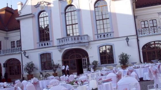 budapest party service gödöllői kastély esküvő helyszín